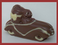 Bio-Schokoladenfigur Hase im Auto